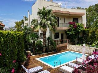 Luxury villa-private-swimming pool-Voula