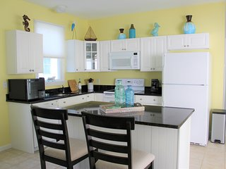 Coastal Beach Cottage with Resort Amenities