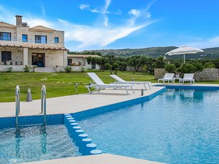 Villa Aloni/ 4 bedroom luxury villa with sea view and private pool