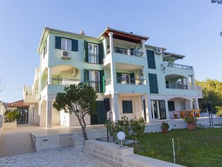Two bedroom apartment Sumartin (Brač) (A-17267-a)