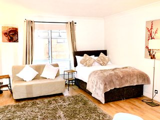 Soho Super Cool Central London Lovely Apartment Lift Access Netflix