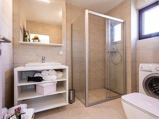 VSG Resort (One-Bedroom Apartment w/ Sofa Bed Unit 4)