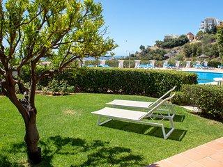 1558 - 2 bed garden apt, Los Olivos, Los Arqueros