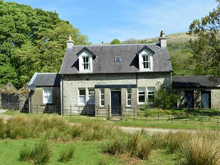 Garden cottage, private location, pet friendly