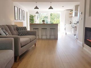 Stylish Luxury Renovated Cottage near Rhosneigr sleeps 7 with private garden