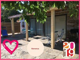 Studio tout confort,terrasse, parking, piscine, wifi, la nature et le calme
