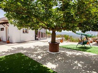 Villa Ninirakis with awesome views!