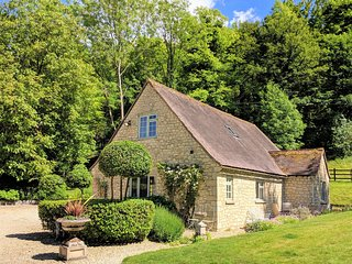 Rural Retreat pretty Cotswold stone cottage nr Thame Oxfordshire