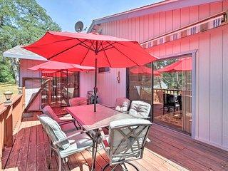 Groveland Home ~1 Mi to Pine Mountain Lake!