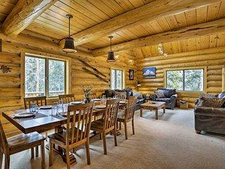 KepiKana Lodge w/ Decks in Pike Natl Forest!