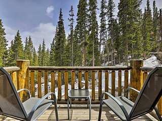 NEW! KepiKana Lodge w/ Decks in Pike Natl Forest!