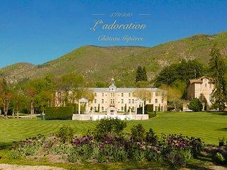 Studio l'Adoration'with a view' in een bijzonder kasteel in hartje Provence