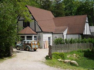 Beautiful decorated Cottage on Quiet Cul-de-Sac