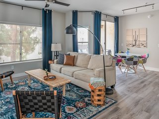 Sleek 2BR in Downtown Phoenix #216 by WanderJaunt