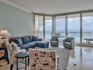 Luxurious Gulf Front Penthouse at Silver Shells - Rooftop Deck! Pool/Beach Acces