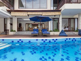 Relaxing 4 BR Family Villa Atap Padi in Ubud Village