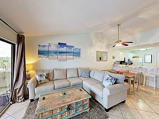 Top-Floor 2BR in Gulf-Front Complex, Pool - By TurnKey