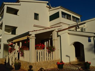 Voluja Apartment Sleeps 8 with Pool Air Con and WiFi - 5486753