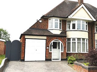 The Barrows, 3 bed Semi detached house, close to City/ NEC and BHX airport