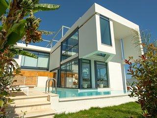 Prestige 1 Luxury Villa, 250m From Agioi Apostoloi Beach Chania
