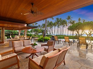 Beautiful 5-Bedroom Ocean-front Villa in the Mauna Lani Resort in the Big Island