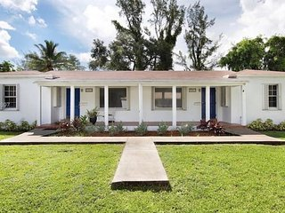 Biscayne Park Cottage - Near Miami Beach 2/1