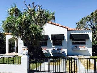Casa Havana - Renovated One Bedroom in Miami