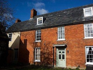 Albert House - A stunning six bedroom grade II listed detached home.