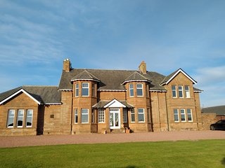 St. Andrew's House, North Wing, Prestwick Holiday Park KA9 1UH (3bed)