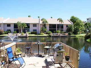 BT 3313 Fountain View Condo w/Deck-Welcome to Paradise, holiday rental in Hutchinson Island