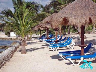 Villa LIJESON: Mayan Craftmanship & Modern Amenities