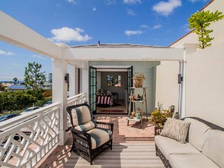 La Jolla Luxury ★ New 1 BR+Loft  Apt near Beach!