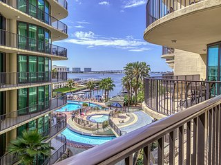 Waterfront condo w/ on-site water park, shared pool, & hot tub
