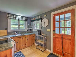 Charming Wilmington Cabin, 8 Mi. to Mt Snow!