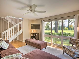 NEW! Mililani Golf Course Townhome w/ Pool Access