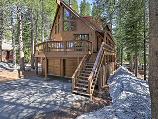 Tahoe Donner Cabin w/Hot Tub, 8 Min. to Lake!