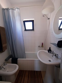WC2: with bath