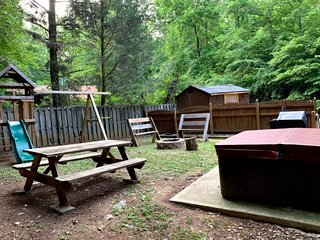 New Low Rates - Theater, Game Room, Outside Play area