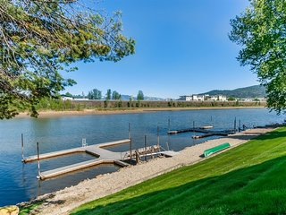 Sandpoint *IN TOWN* Waterfront Condo! Driftwood #3 - Walk Everywhere