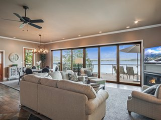 Lakeshore Landing:  Elegant, Waterfront Retreat. Ideal for couples & families.