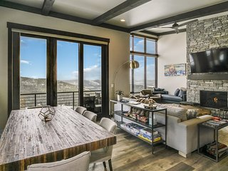 Headwall 38 - NEW Beautiful Ski in/out Townhome off Basin Express Chair