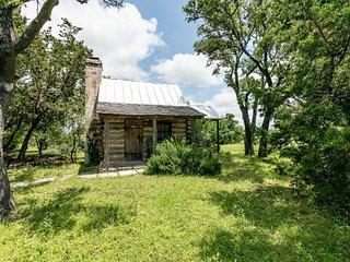 High Meadow Cabin | Fredericksburg Vacation Rental