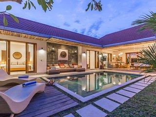4 bedroom private pool Villa Buddha