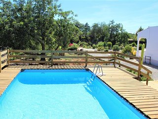 Comfortable 3 bed villa with plunge pool-garden-terraces-privacy near the coast