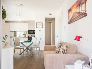 MILANO SCINTILLA APARTMENT, Cozy and elegant furnished Apt for 2 people