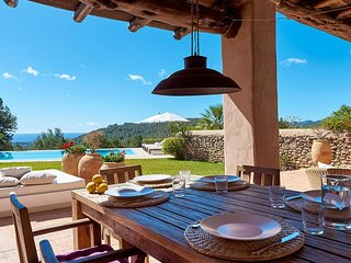 Catalunya Casas: Luxurious Villa Amande on Ibiza stunning hills! Up to 10 guests