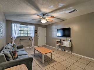 NEW! Pensacola Apt. 5 Mi. to NAS - Drive to Beach!