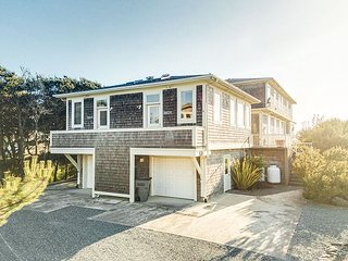 ARIA 2 ~ MCA 1376 ~ Spectacular oceanfront home with gorgeous view.