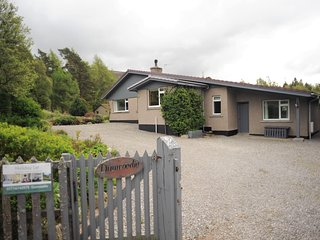 Dunwoodie, Braemar, 3 bedroom, large garden, holiday let with mountain views