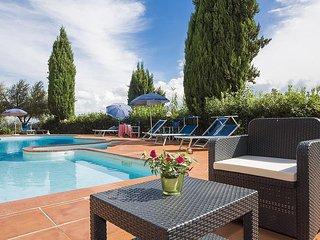 La Cava Villa Sleeps 6 with Pool - 5229225